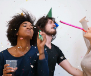 Brief: Einladung – Deutsch. 10.000 YouTube Abonnenten feiern Deutschparty